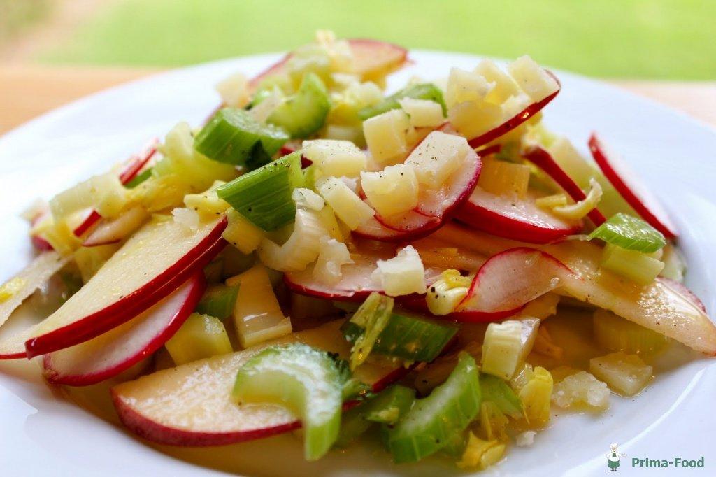 Салат с сельдереем фоторецепт