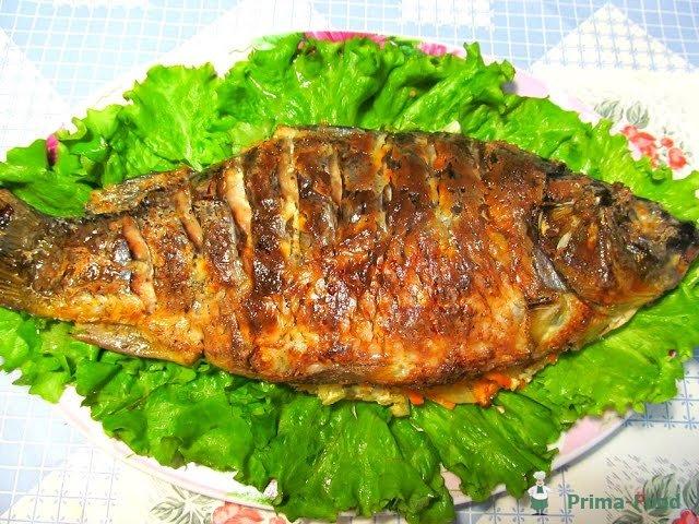 Карп в духовке со сметаной и картошкой рецепт