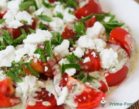 Салат из помидор и огурцов с брынзой калорийность